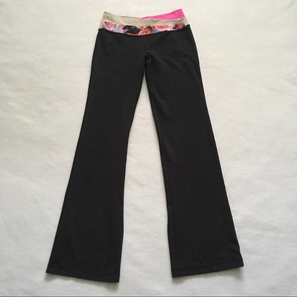 lululemon athletica Pants - Lululemon Astro Secret Garden Black Yoga Pant 6